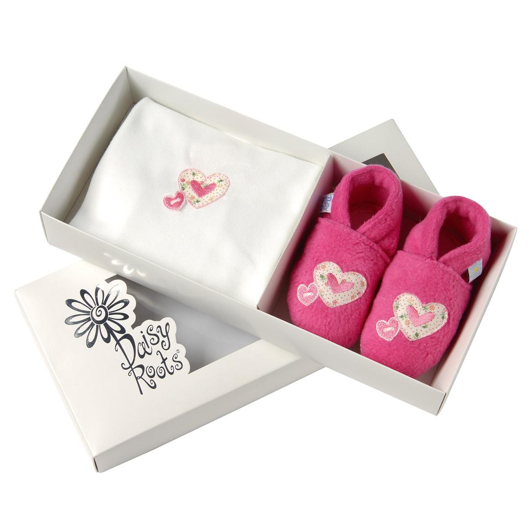 Daisy Roots 彌月禮盒 英國可手洗手工鞋M號0~12M 學步兒 T恤 - 綿綿愛心 LDH04M
