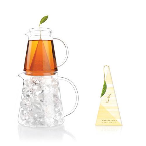 黃金錫蘭冰茶 Iced Ceylon Gold {紅茶} 來自斯里蘭卡布萊克伍德的知名頂級紅茶葉,茶葉烘焙後依舊保存了本身的清爽,卻又不失紅茶的香醇甘,獻上最極品的夏日冰茶。