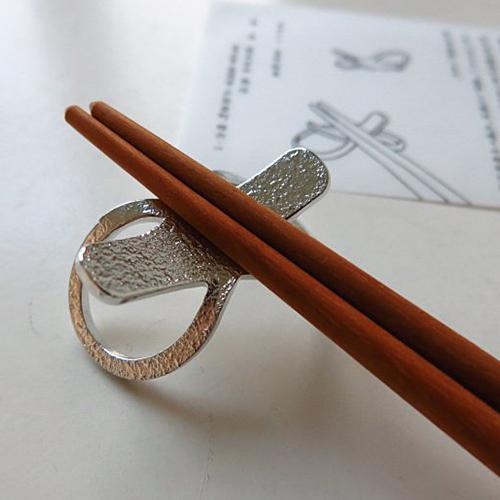 日本能作 純錫8字形筷架組 (五入)