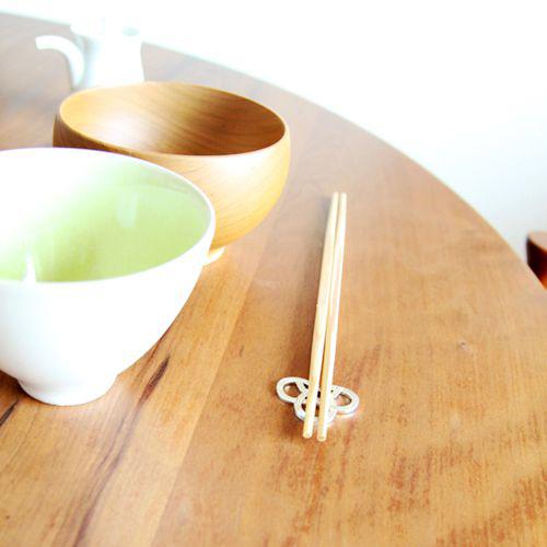【5/27~7/31期間限定95折優惠】日本能作 純錫日式結繩筷架組 (五入)