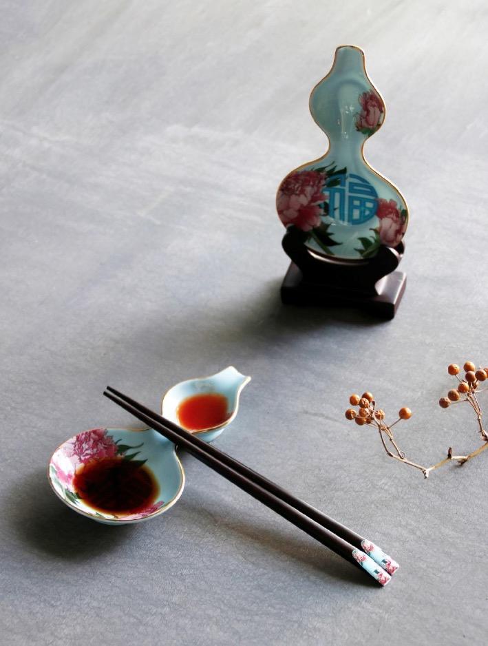TALES 神話言 故宮神話系列 瓶安蘸福 青花龍醬碟筷架