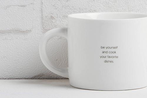 商品細節看這裡:慵懶貓咪馬克杯的幸福箴言