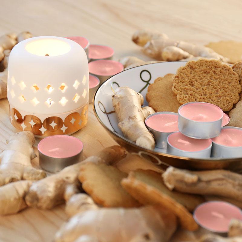 鄉村薑餅/瑞典鄉間老家的兒時記憶  慵懶的從被窩中探出頭,瑞典鄉間的冬日還是一如往常白矇矇一片,老家的木屋坐落在湖邊,當地有個傳統習俗是在冬季與家人一同聚再暖烘烘的廚房,一同烘焙番