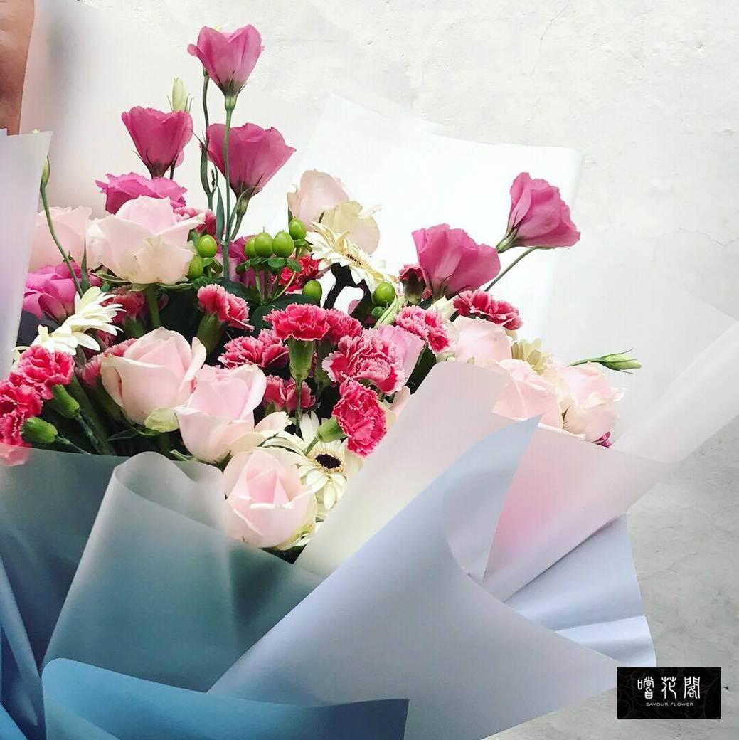 【限寄送台北及新北汐止 】Savour Flower 呵護媽媽康乃馨花束