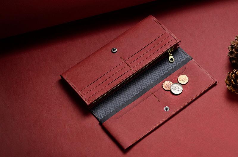 【內票卡層x10】上方4個,下方6個,豐富的卡片收納層,可依個人需求分區收納。