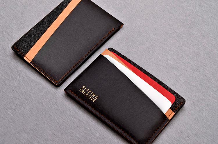 前後對稱的雙隔層,提供信用卡、金融卡等證件方便收納。