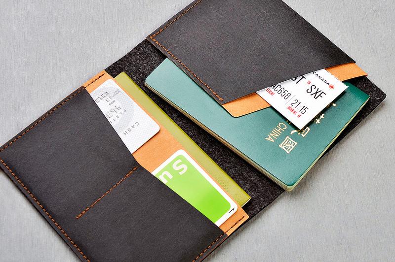 【外部2大隔層 + 內側5層收納】內部空間可放置兩本護照,貼心夾層設計更可容納信用卡、地鐵票等交通票卡,方便簡約,是出差、旅行最佳的旅程管家。