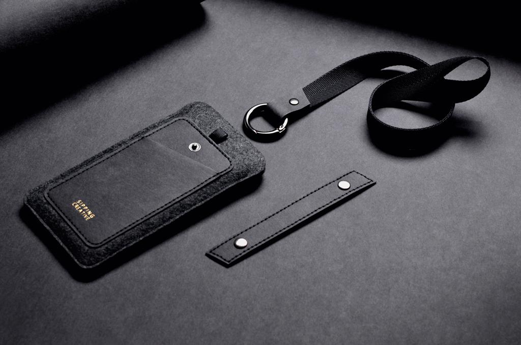 商品包含三個組件: 1.手機套本體 2.防掉釦帶 3.寬版頸掛繩+快拆圓形鈎