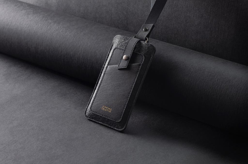 俬品創意 頸掛手機套/特規版 極簡黑