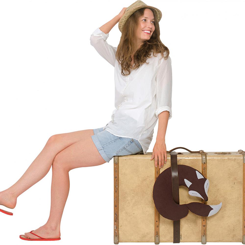 德國萊思綺Leschi 旅行枕頭/辦公室、教室午休枕頭(狐狸造型 (咖啡色))