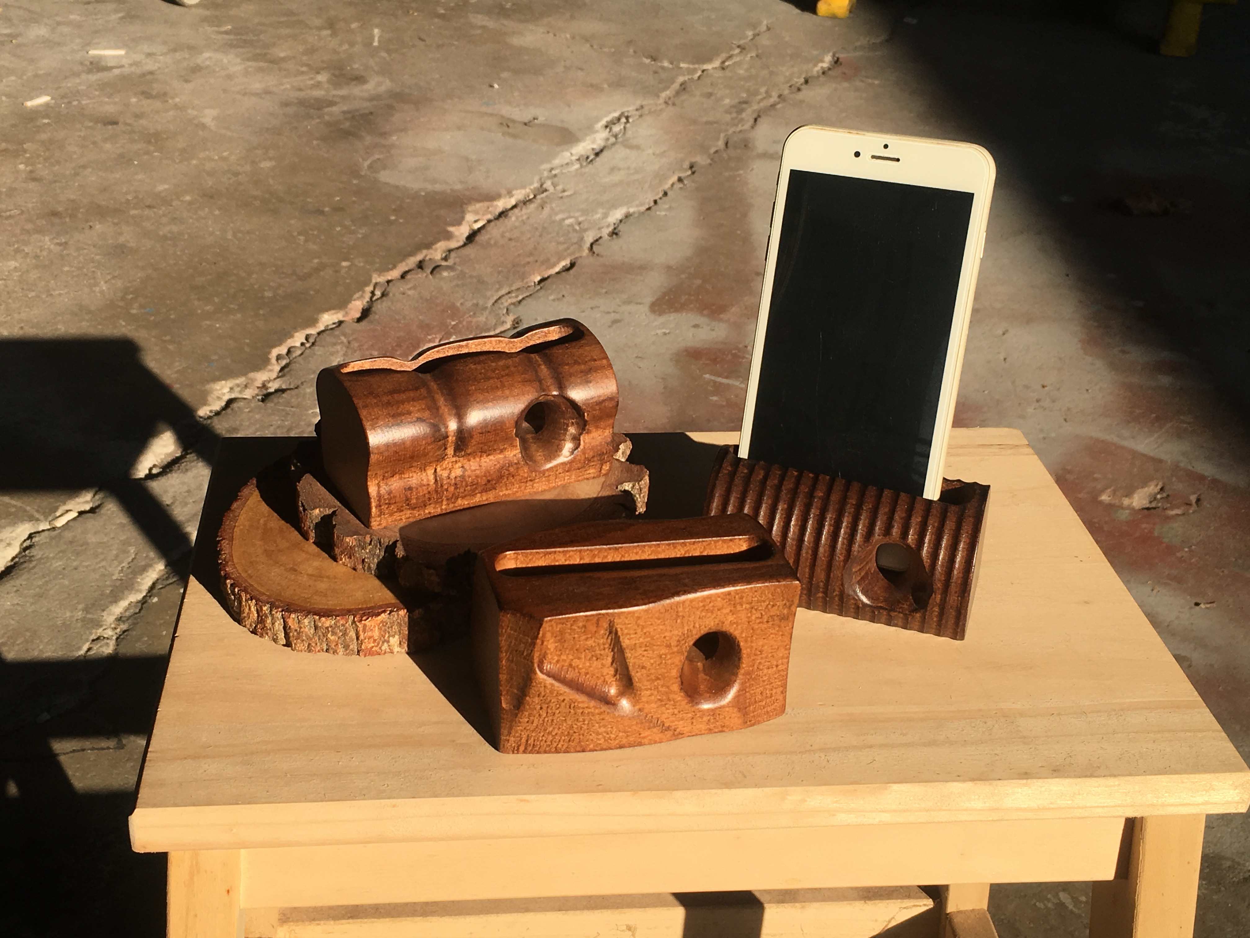 木城工坊 上漆款原木木作手機擴音座-工業風