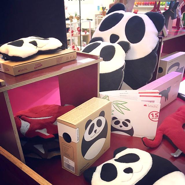 德國萊思綺Leschi  熊貓造型靠枕-大