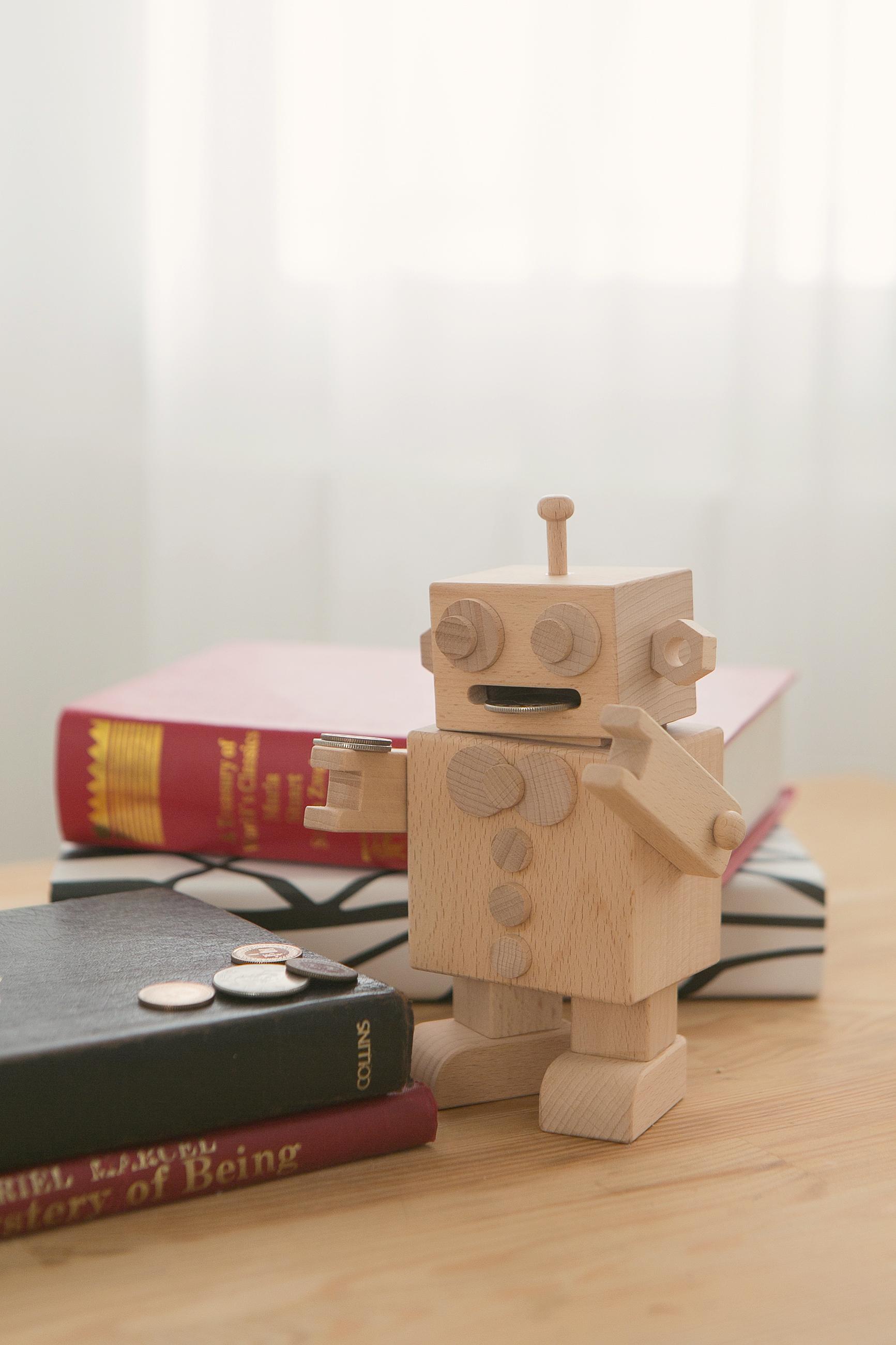 機器人造型存錢筒