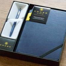 【可雷雕】美國 CROSS 立卡系列 午夜藍原子筆+藍色筆記本 禮盒組