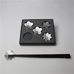 日本 能作 純錫筷架 (五入) 有花堪折