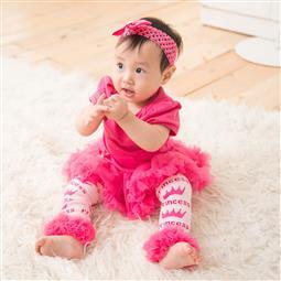 <span class=cutoff>日安朵朵 女嬰精緻雪紡蓬蓬裙連身衣禮盒組 桃紅芭比 Barbie (網紗襪套 短...</span>