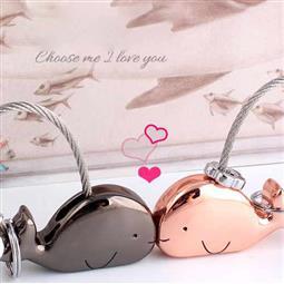 創意設計小物館 情人小鯨魚鑰匙圈 黑色+玫瑰金